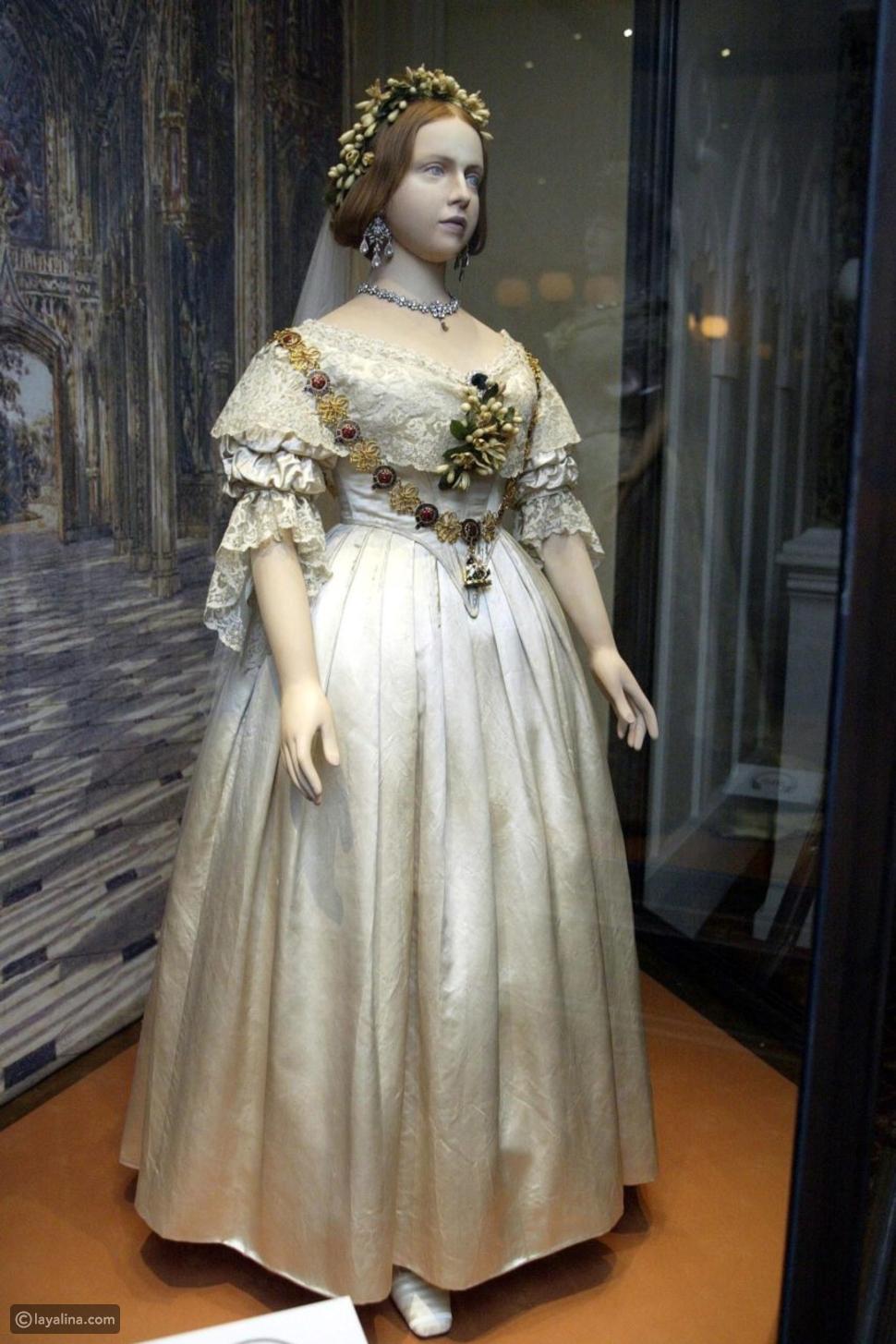 فستان الزفاف الأبيض للملكة فيكتوريا ملكة إنجلترا