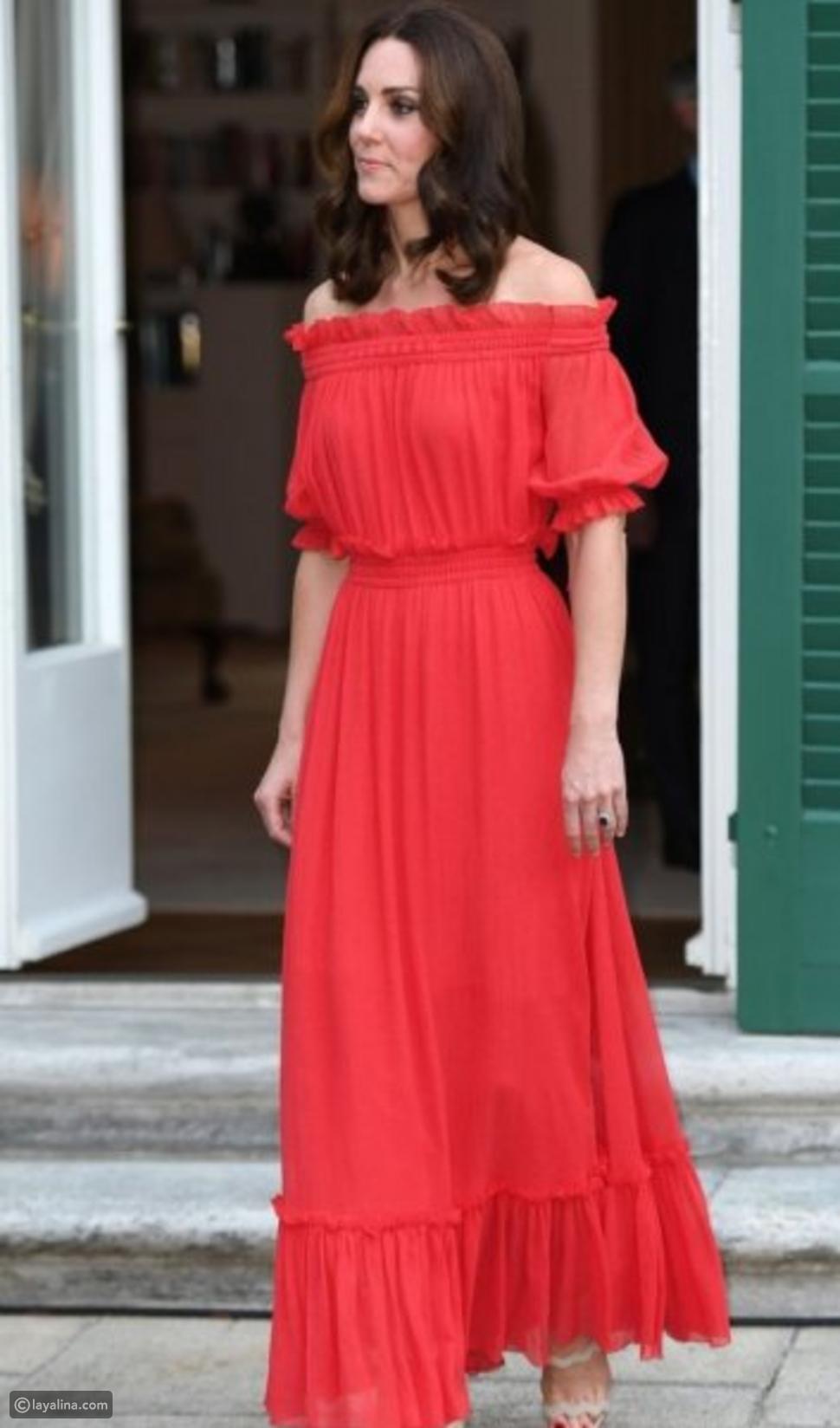 كيت ميدلتون بفستان أحمر أوف ذا شولدر من تصميم أليكسندر مكوين
