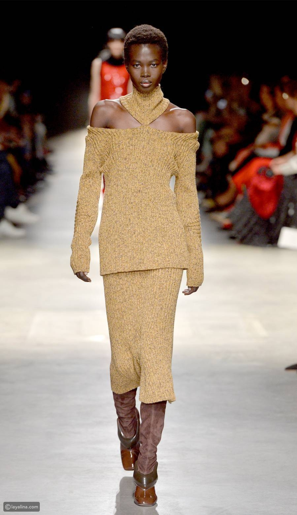 أزياء محبوكة مضلعة