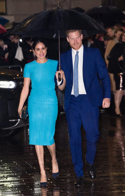 """ميغان ماركل بفستانها الشهير""""Meghan Markle blue"""""""