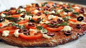 طريقة عمل بيتزا بالخبز الأسمر للريجيم