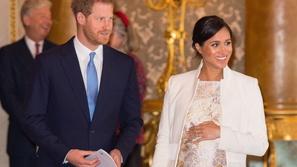 الأمير هاري وميغان ماركل يصدمان محبيهما بقرارهما الحاسم نحو مولودهما