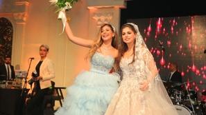 رقص ملك قورة يشعل مواقع التواصل...دلال وحركات عفوية ألهبت زفاف شقيقتها