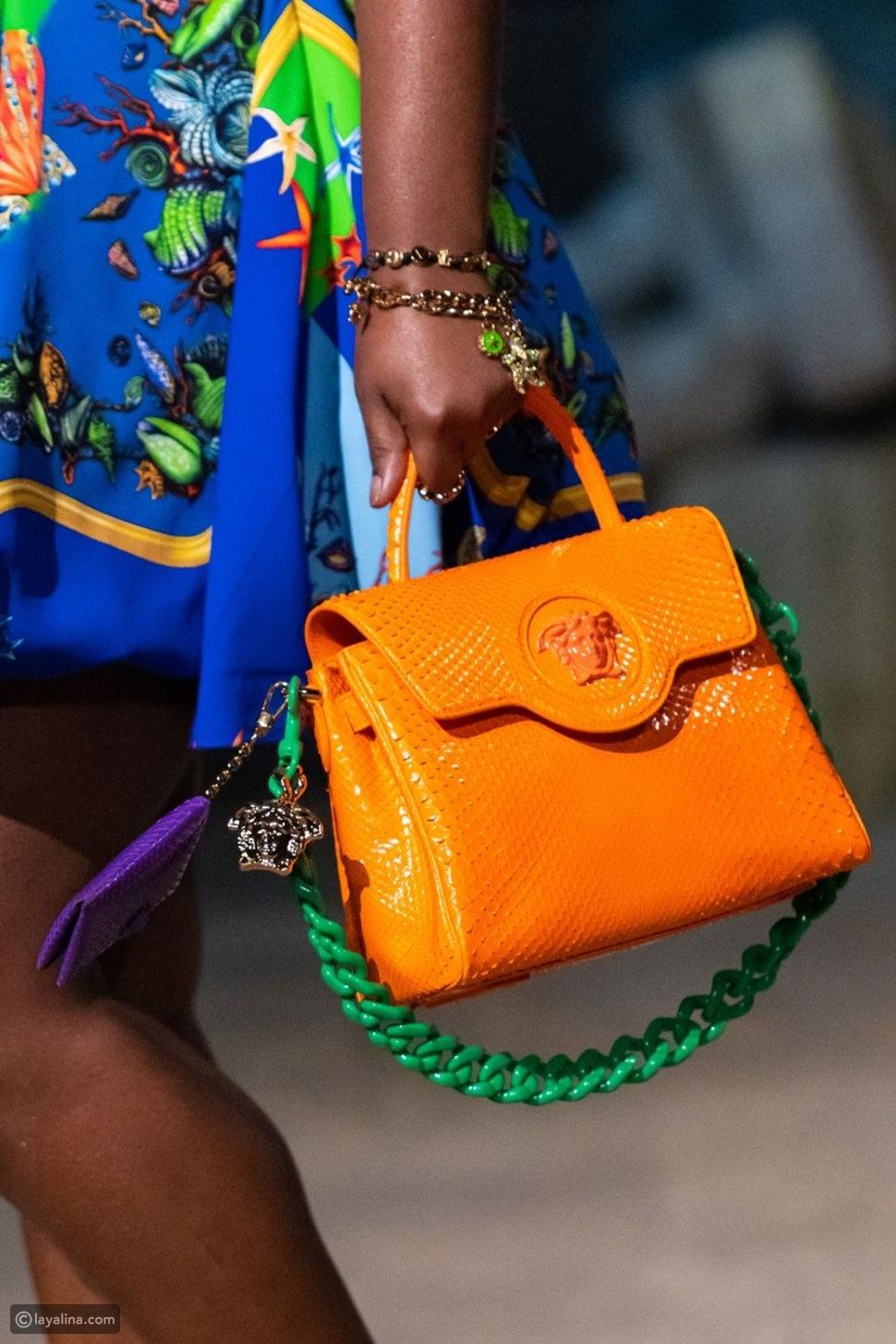حقائب أنيقة باللون البرتقالي