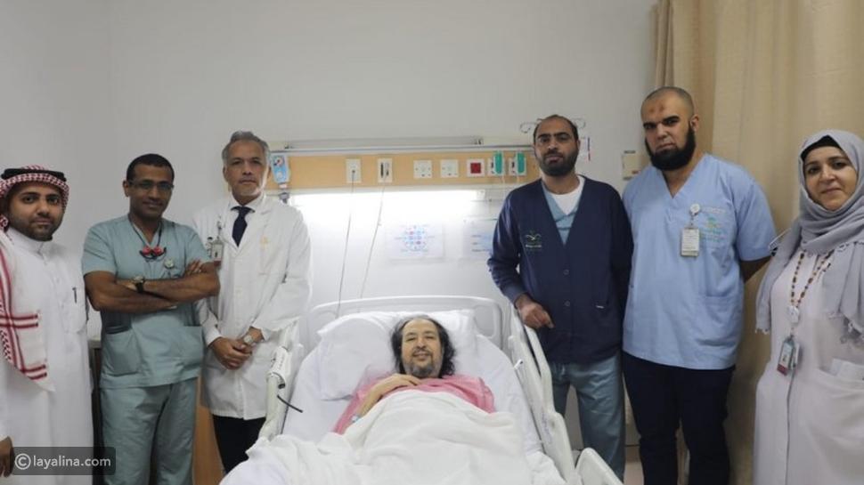أعلن الفنان السعودي خالد سامي تفاصيل وضعه الصحي الدقيق بعد نقله مؤخراً للعناية المركزة بعد تعرضه لبعض المضاعفات مع مرض الفشل الكلوي.
