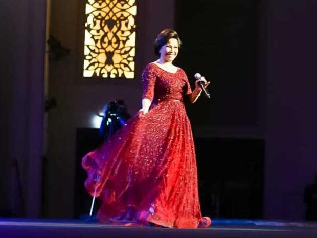 شيرين ترقص وتصف لجمهورها النجاح في مصر وتغني لوردة الجزائرية