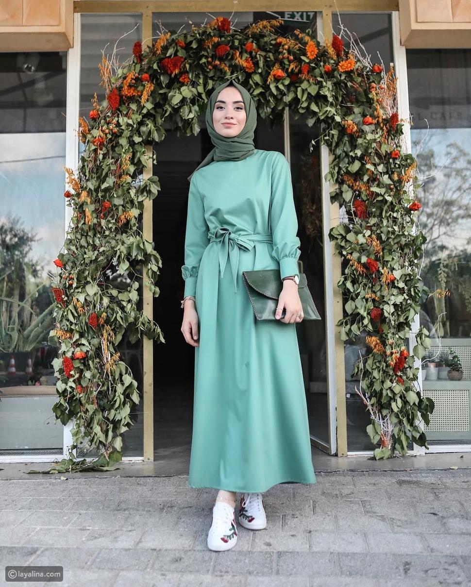 فستان أنيق باللون الأخضر