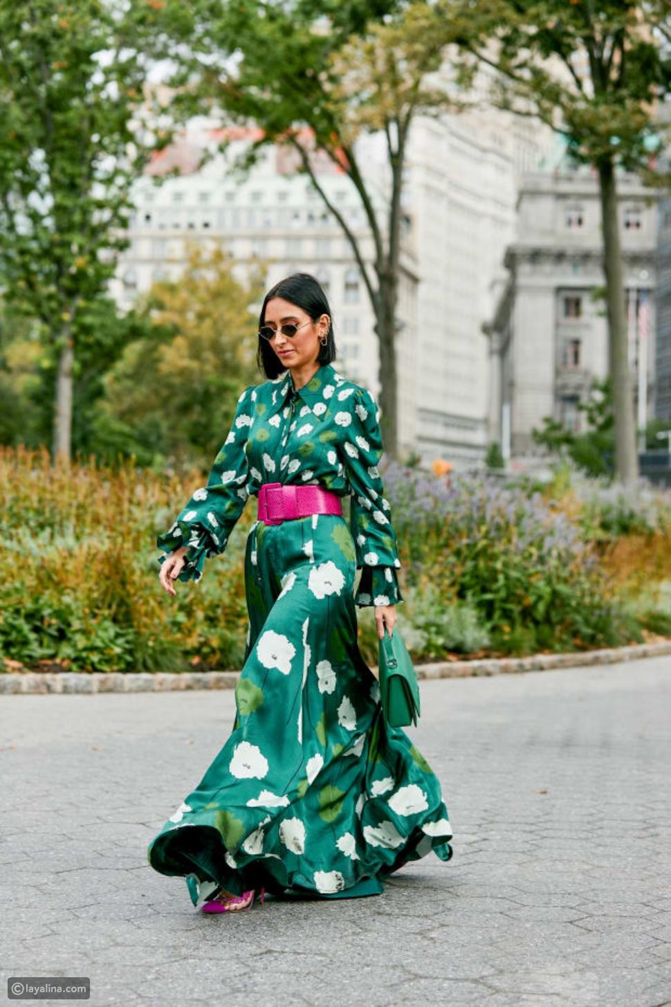 فستان منقوش باللون الأخضر