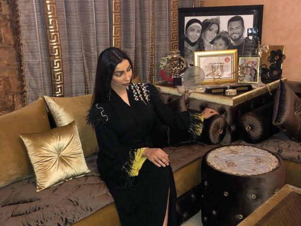 بسبب هذه الصورة العائلية...اتهام دنيا بطمة بتعمد تجاهل حلا الترك