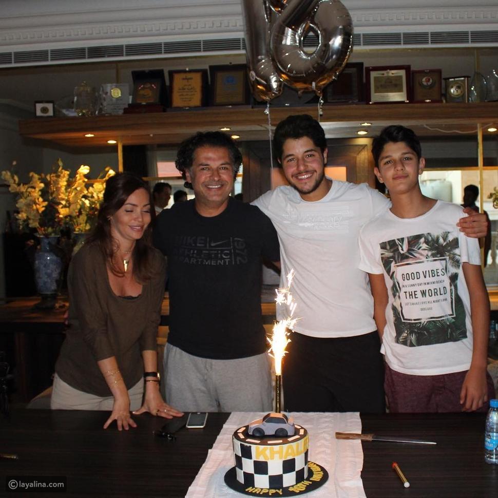 صور راغب علامة يحتفل مع ابنه خالد بدخوله عالم الرجولة: قد تعتقد أنهما أخوين!
