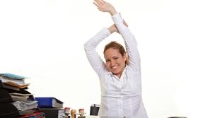 10 نصائح ذهبية للمحافظ على الصحة والرشاقة خلال ساعات العمل