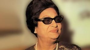 بعد 44 عاماً على وفاتها: صور نادرة تظهر للنور لأم كلثوم أثناء الصلاة
