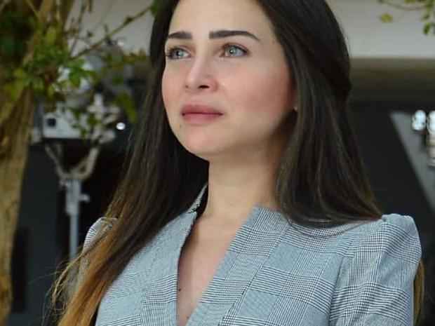 فستان مي عز الدين في مسلسلها