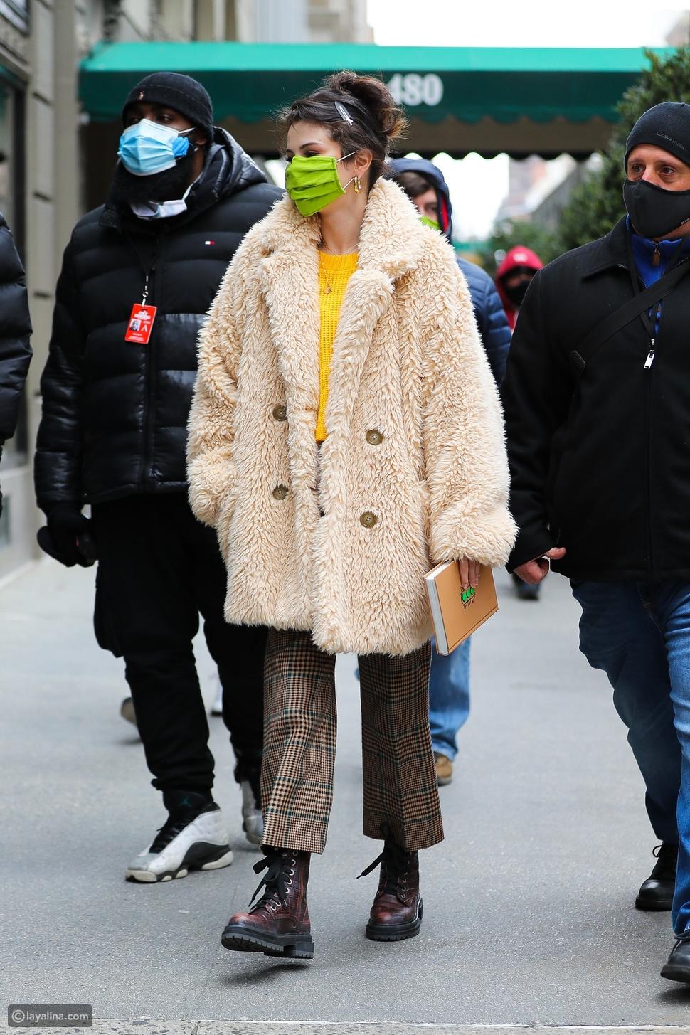 ارتدي معطف تيدي مثل سيلينا غوميز