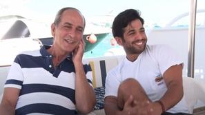 ابن هشام سليم يلفت الأنظار بظهوره الأول مع شقيقتيه في صورة عائلية