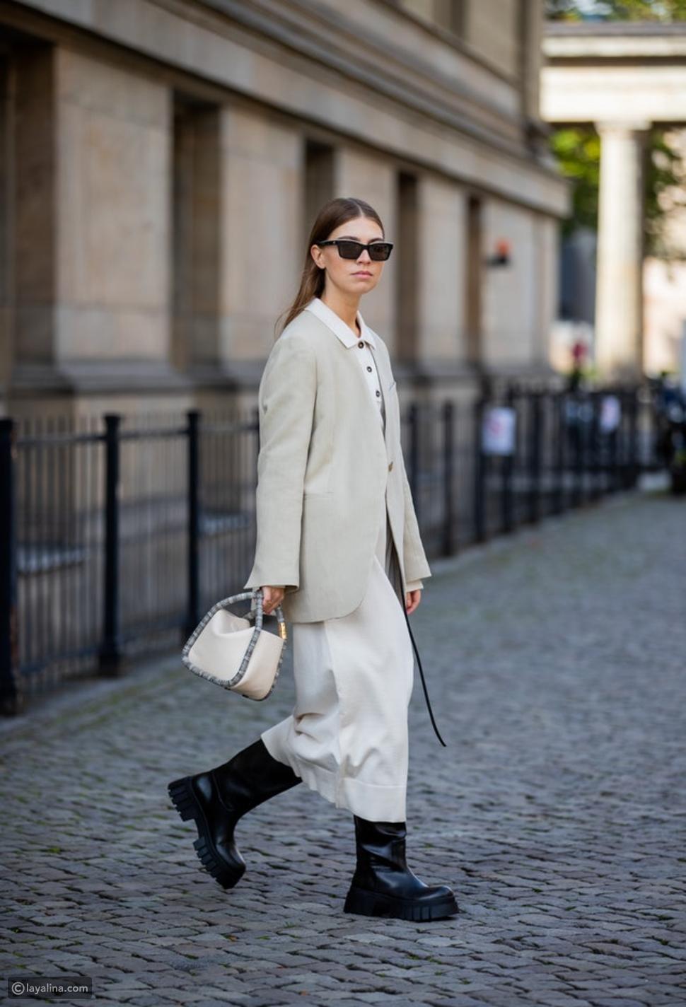 كيف ترتدين الفستان المحبوم مع الأحذية الشتوية والجاكيت
