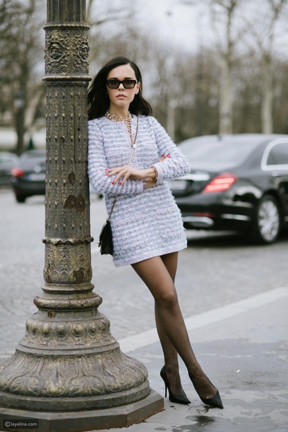كيفية ارتداء فستان محبوك مع طبقات