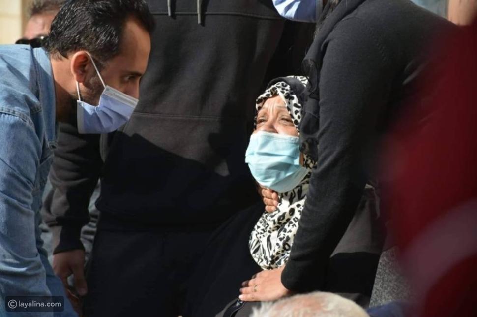 انهيار زوجة هادي الجيار وابنته أثناء تشييع جنازته