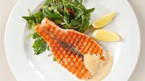 طريقة تحضير طبق السمك بالطحينية