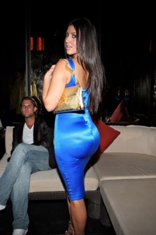 صور كيم كارداشيان تفجر مفاجأة لجمهورها حول حقيقة أحد أعضاء جسدها