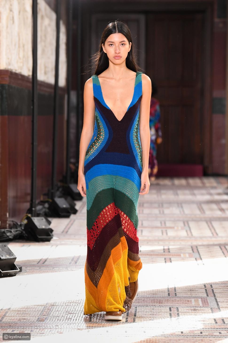 عرض غابرييلا هيرست باريس المحايد للكربون