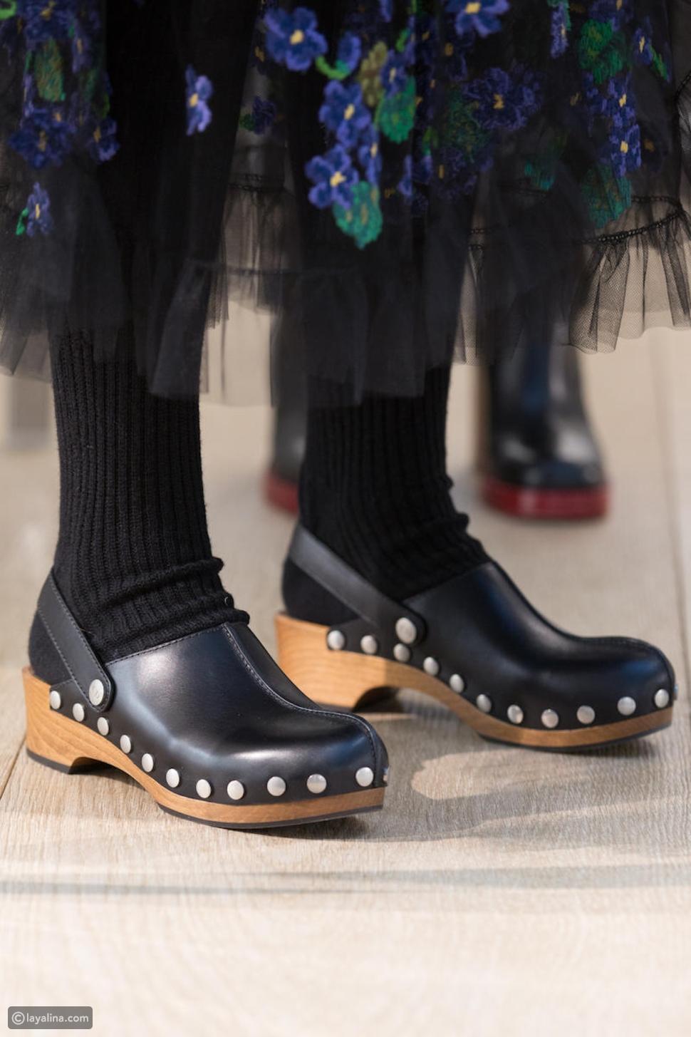 أحذيةclogs الخشبية