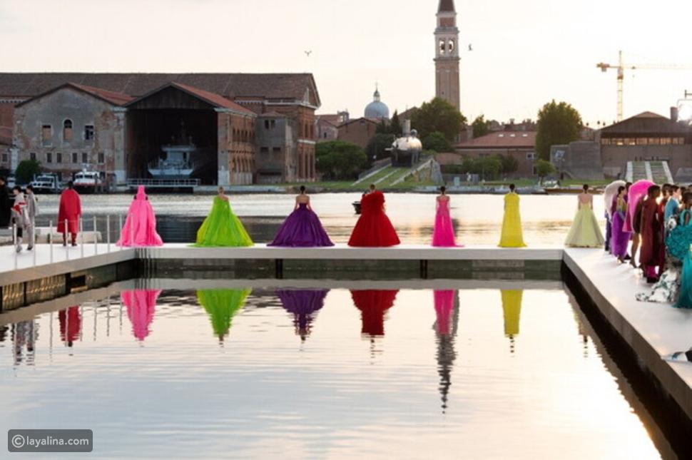 الألوان فيمجموعة Valentino هوت كوتور 2021