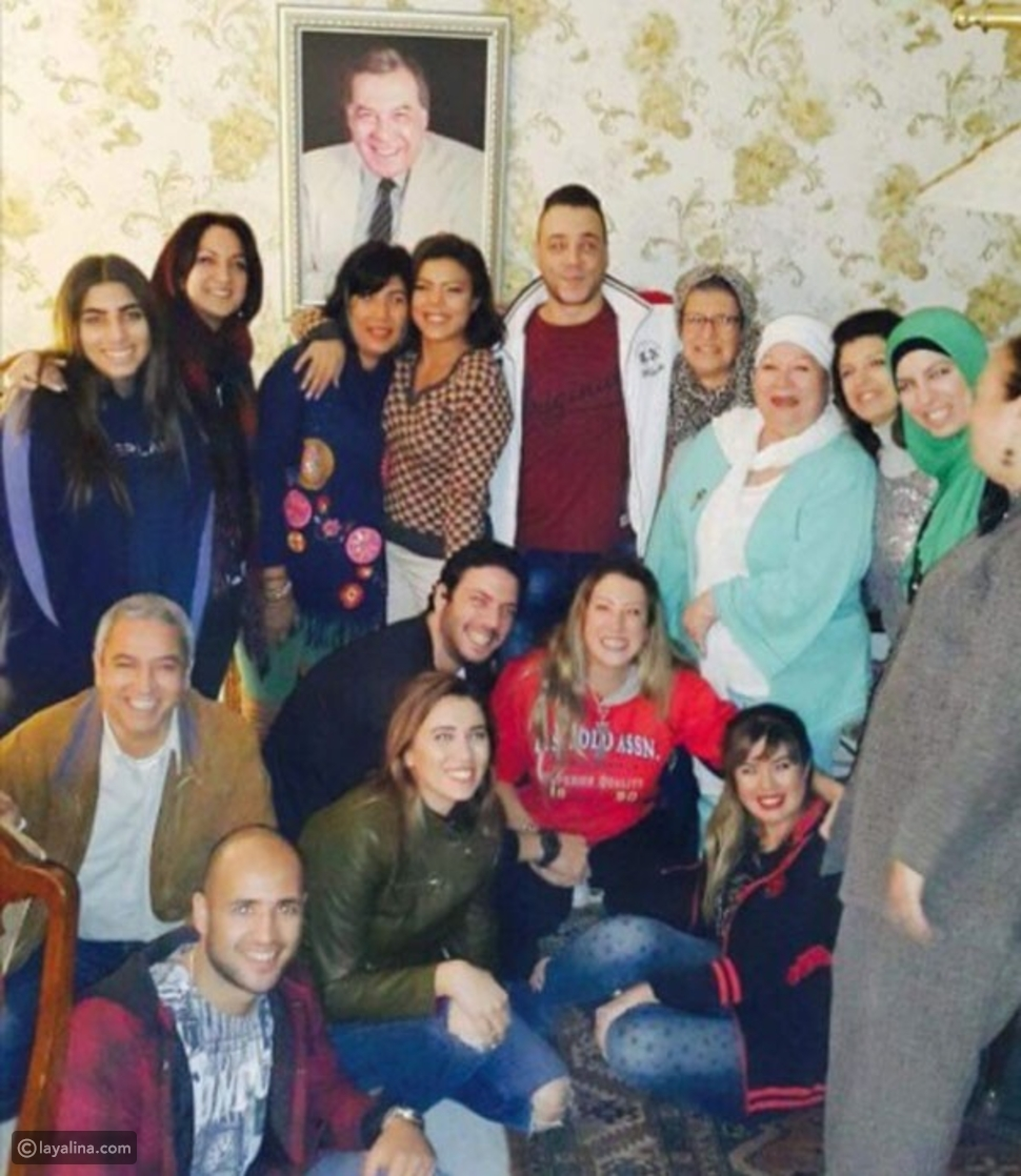 عائلة ملك الترسو فريد شوقي في اجتماع عائلي نادر بعد قطيعة سنوات