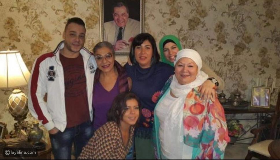 أجواء الفرح طغت على السهرة العائلة وفريد شوقي حاضر بالروح والصورة