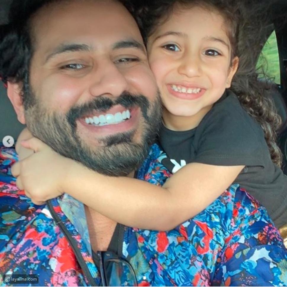 عبدالله بوشهري يلتقي ابنته داليا لأول مرة بعد شهرين في الحجر الصحي