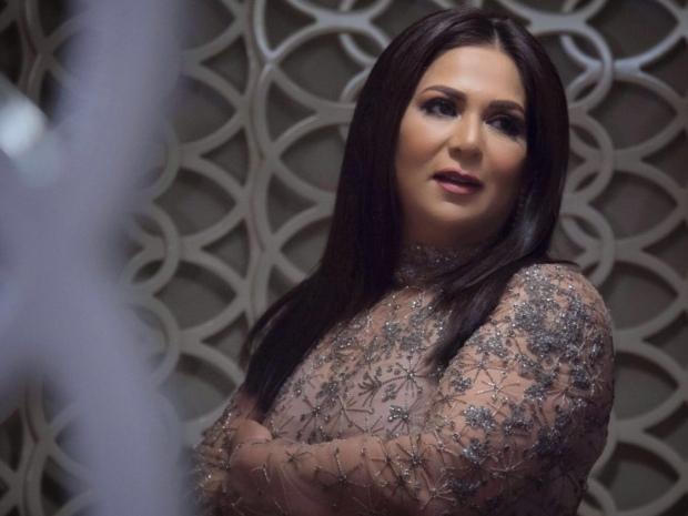 نوال الكويتية توقفت عن الغناء لمدة أسبوعين
