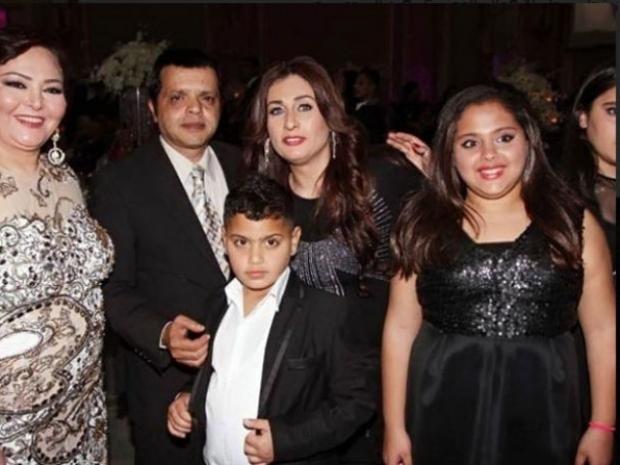 صورة قديمة لعائلة محمد هنيدي