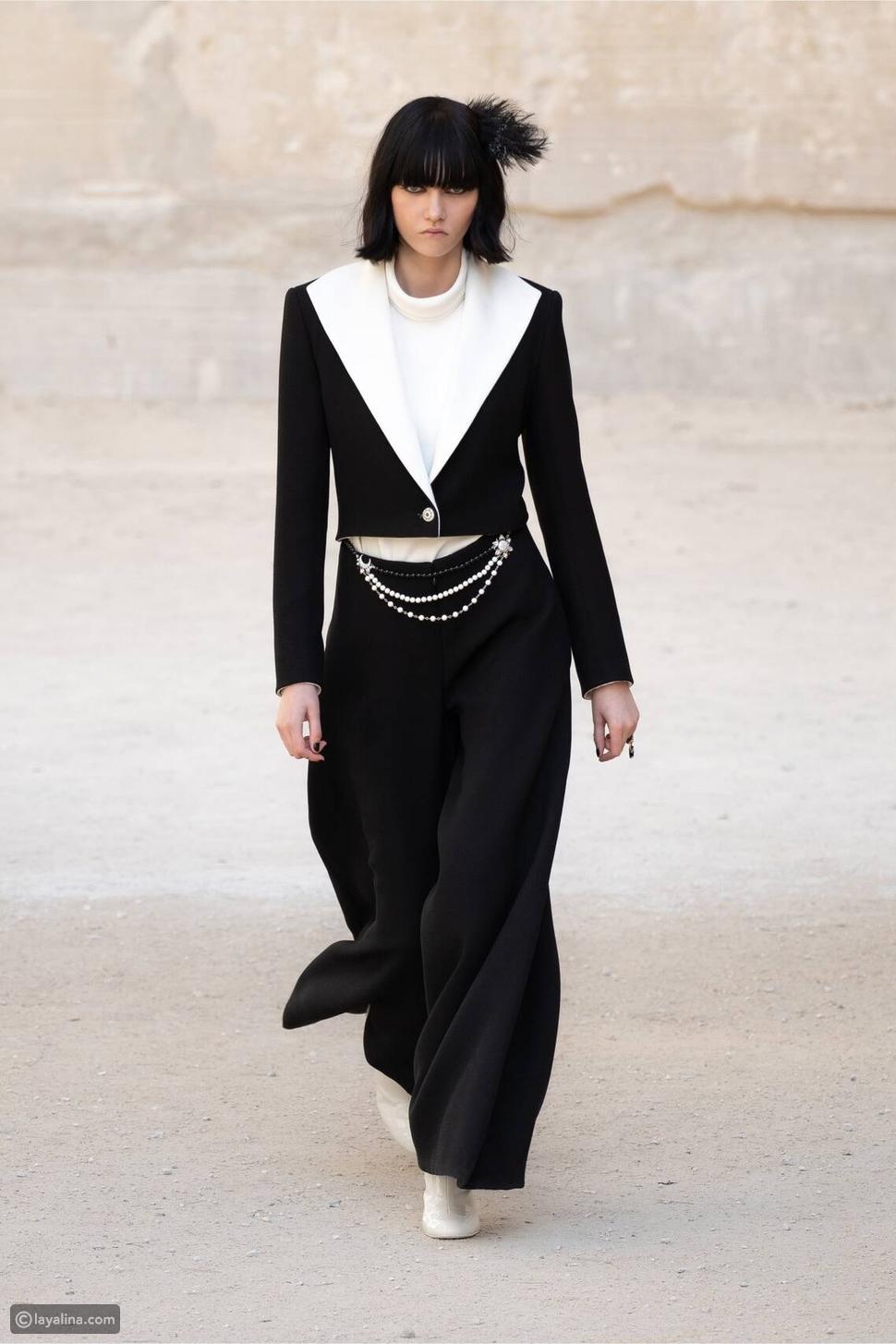 الأسود والأبيض وبدلة السهرة من  Chanel