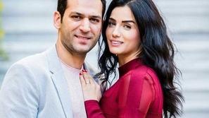 مراد يلدريم يقدم هدية باهظة الثمن لزوجته ويثير موجة من التعليقات