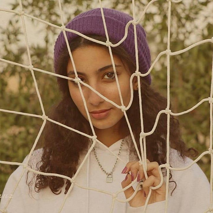 ابنة أحمد حلمي ومنى زكي  في جلسة تصوير