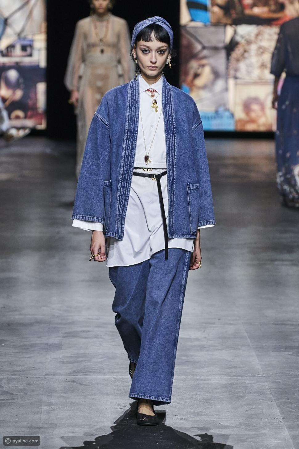 بنطلون جينز مع قمصان كبيرة الحجم