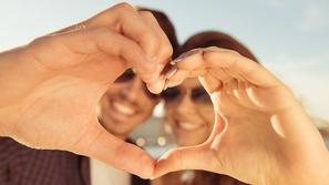 حب صحي لسعادة الزوجين والمجتمع