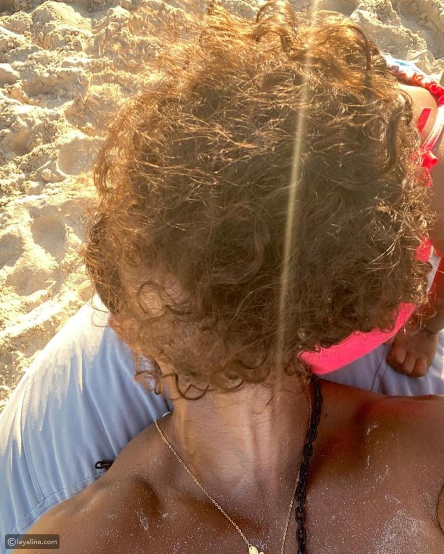 صورة عفوية لكريم فهمي وابنته
