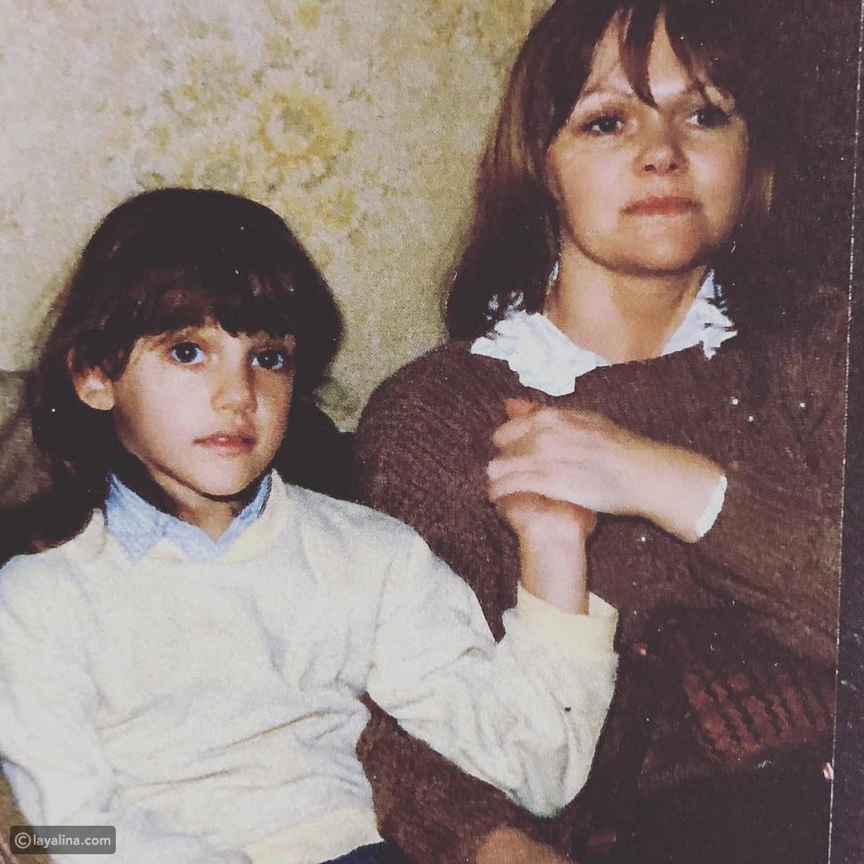 مريم أوزيرلي في صورة نادرة من طفولتها