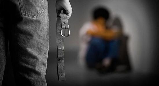 آثار ونتائج إساءة معامة الأطفال وإهمالهم