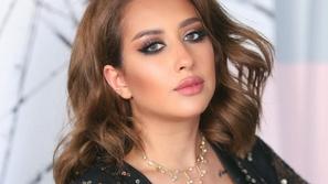 رد فعل فرح الهادي على فلتر سناب شات الجديد الذي يشبه وجهها قبل التجميل