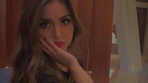 شاهدي حلا الترك بإطلالة جريئة حاولت إخفاءها فاشتعلت الانتقادات ضدها