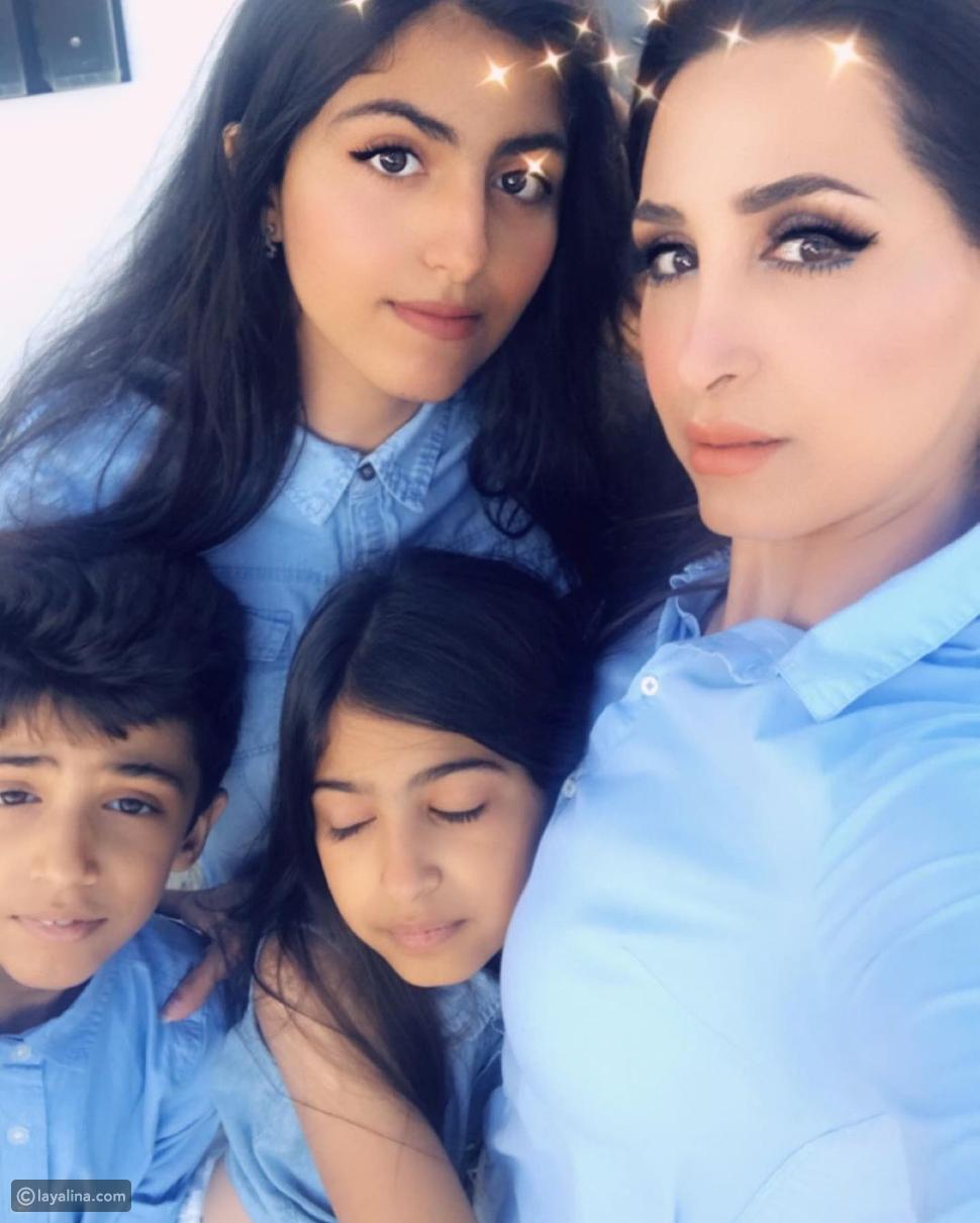 هند القحطاني مع أبنائها