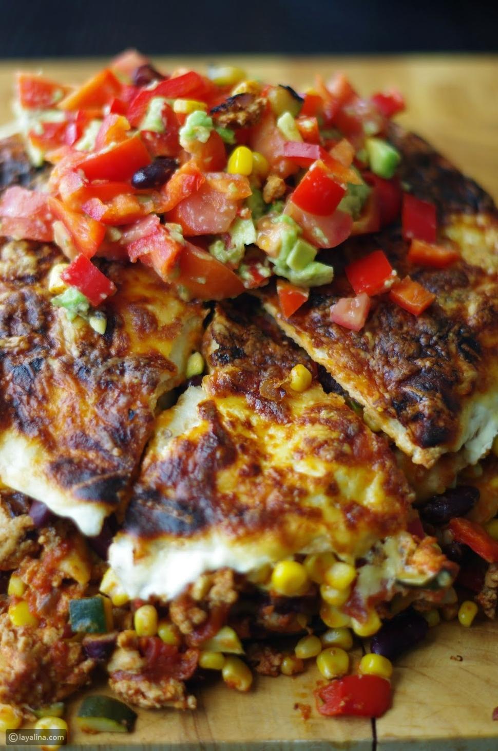 فطيرة الدجاج المكسيكي الحار بخبز التورتيلا