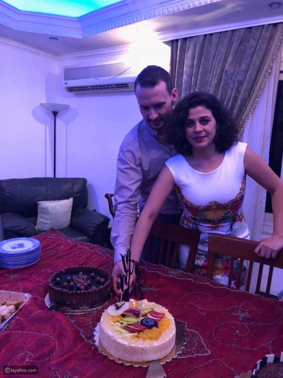 زوج منى هلا أعلن اسلامه وتزوجا في حفل بسيط في مصر