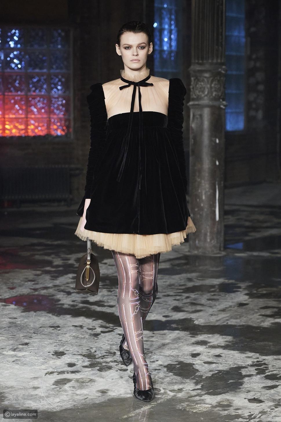 الفساتين الفيكتورية