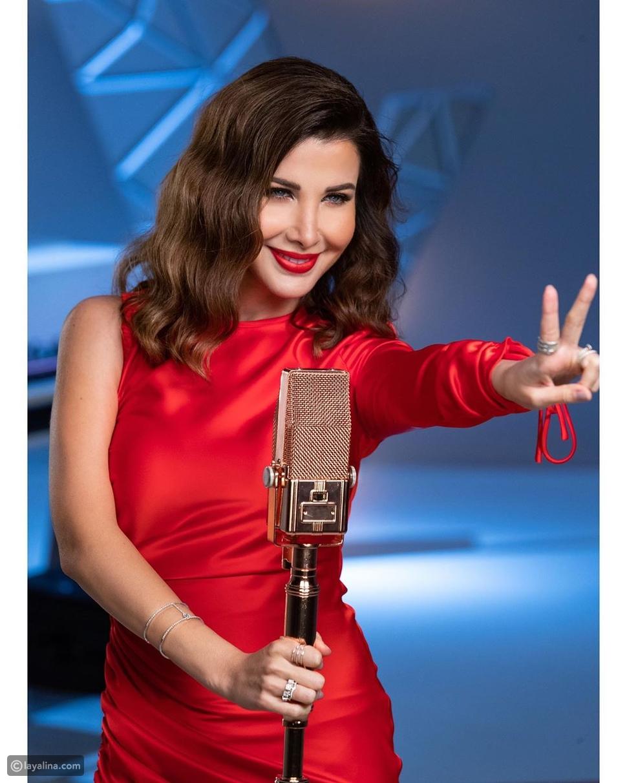 نانسي عجرم تخطف الأنظار بفستانها الأحمر الصارخ