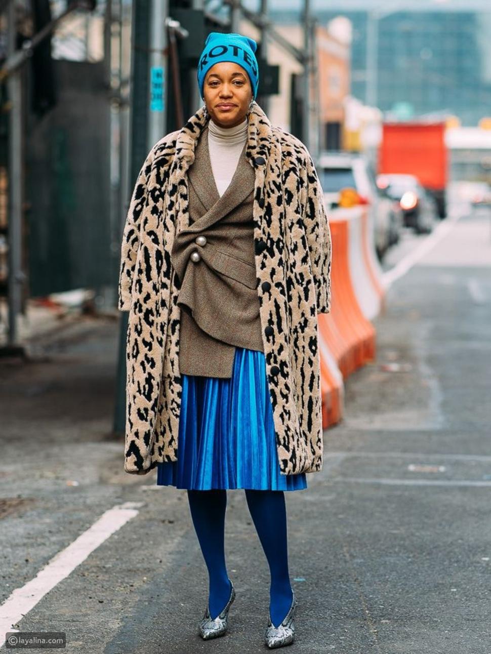 جوارب باللون الأزرق