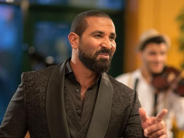 أحمد سعد يحاول مصالحة سمية الخشاب