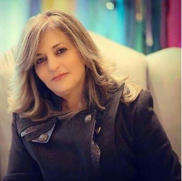 نجمة آراب أيدول منال موسى تنشر صورة والدتها وتبهر الجمهور بجمالها